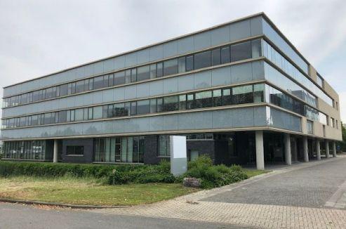 Emmen - transformatie kantoorgebouw - Transformatie van kantoor naar studentenwoningen