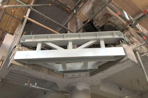 Constructieve voorbereiding voor de betonnen hoekluifel